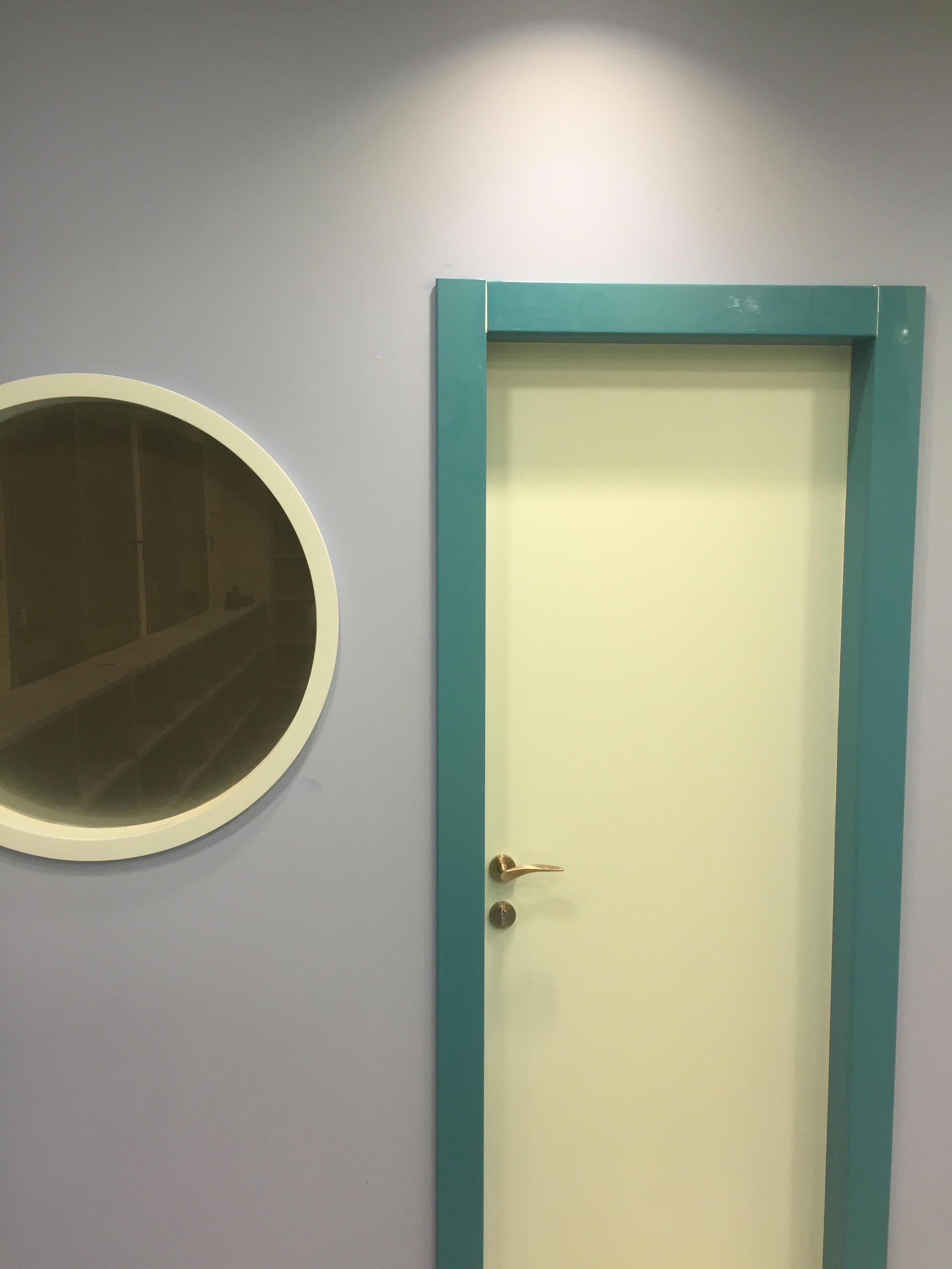 דלת למינטו בצבעים מיוחדים לקבלן יוסי בכר לספרייה בתל אביב