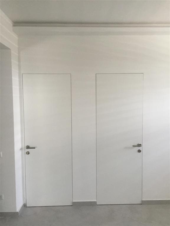 דלתות קו 0 עם הקיר יחודי במיוחד הכי יפה בארץ